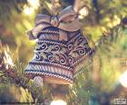 Dos bonitas campanas de Navidad para adornar el árbol