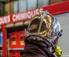 Casco de bombero cromado