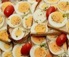 Tostadas de huevo duro