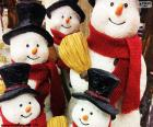 Cinco muñecos de nieve