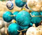 Elegantes bolas de Navidad