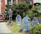 Jardín adornado para Halloween