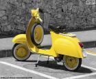 Vespa amarilla