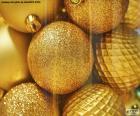 Bolas de oro para Navidad