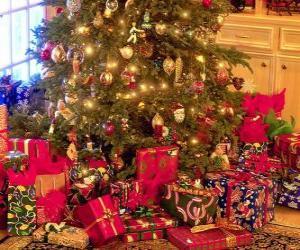 Puzzle de Regalos bajo el árbol de Navidad
