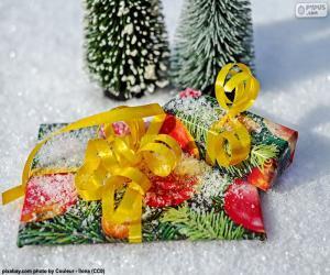 Puzzle de Regalos con lazo amarillo