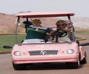 Puzzle de Ryan Evans (Lucas Grabeel), Sharpay Evans (Ashley Tisdale) en el coche de golf rosa
