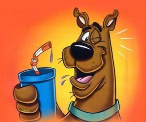 Puzzle de Scooby Doo con una bebida