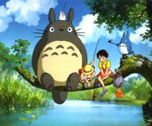 Puzzle de Tororo, el rey del bosque y sus amigos en la película anime Mi vecino Tororo