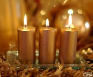 Puzzle de Tres velas navideñas doradas