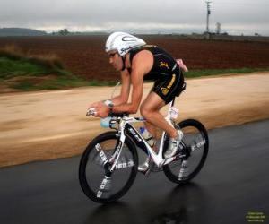 Puzzle de Triatleta en la parte de ciclismo