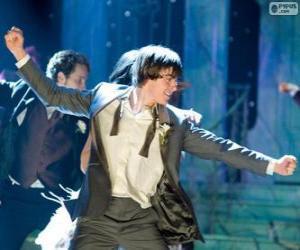 Puzzle de Troy Bolton bailando