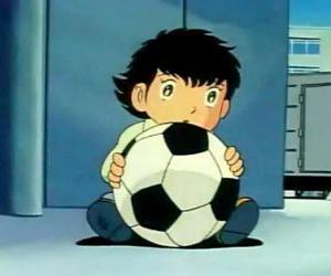 Puzzle de Tsubasa Ozora, Oliver Atom, un niño japonés que es un gran aficionado al fútbol