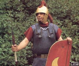 Puzzle de Un soldado romano, un legionario armado con el pilum (la lanza), la espada, el casco, la armadura y el escudo