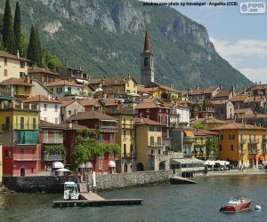Puzzle de Varenna, Italia