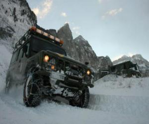 Puzzle de Vehiculo 4x4, de rescate de montaña