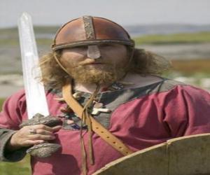 Puzzle de Vikingo armado con una espada y un escudo