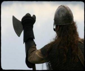 Puzzle de Vikingo vigilando armado con un hacha