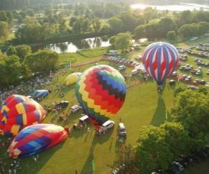 Puzzle de Vista aérea de un festival de globos aerostáticos