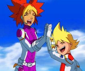 Puzzle de Yoko y Brett con sus trajes espaciales, ellos son dos de los miembros del Team Galaxy