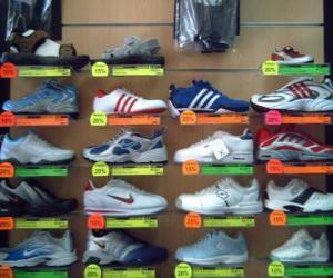 Puzzle de Zapatillas de deporte o deportivas, calzado de piel o lona con suela de goma
