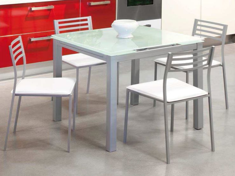 Puzzle de conjunto mesa y sillas de cocina rompecabezas de for Conjunto mesa y sillas cocina